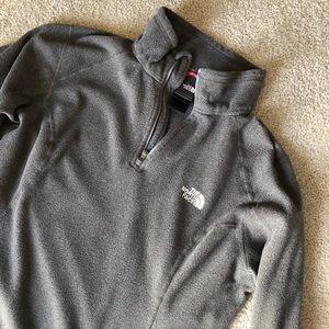 Northface Women's quarter-zip fleece — Size Large